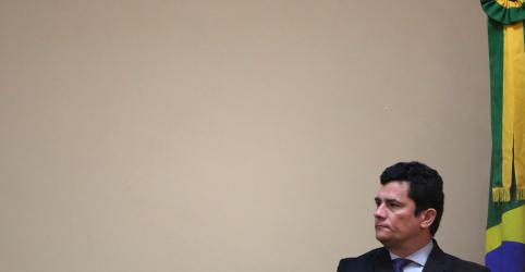 Placeholder - loading - Imagem da notícia Moro deveria se afastar do cargo, diz presidente da comissão da reforma da Previdência