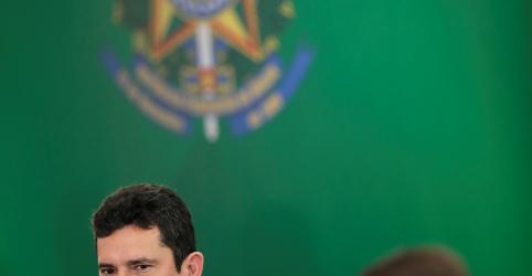 Placeholder - loading - Imagem da notícia Bolsonaro tem irrestrita confiança em Moro, diz Secom da Presidência ao Jornal Nacional