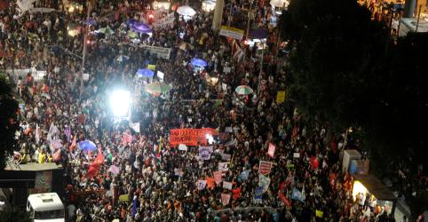 Cidades brasileiras têm paralisações nos transportes e protestos em dia de greve