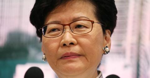 Placeholder - loading - Imagem da notícia Líder de Hong Kong pede desculpas enquanto manifestantes pedem sua renúncia