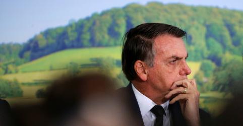 Placeholder - loading - Imagem da notícia Bolsonaro edita nova MP para devolver demarcação de terras indígenas ao Ministério da Agricultura