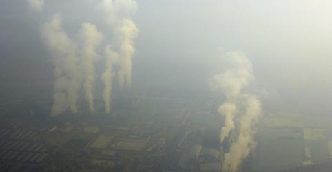 Emissões precisam cair 50% para se evitar aquecimento de 3ºC, dizem cientistas