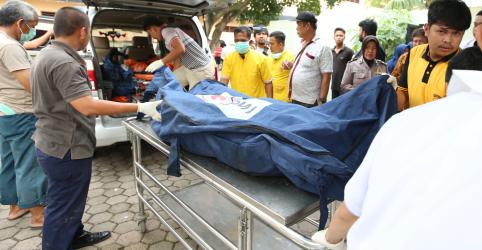 Placeholder - loading - Imagem da notícia Incêndio em fábrica de palitos de fósforo deixa ao menos 30 mortos na Indonésia