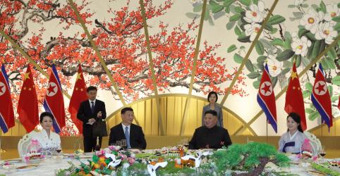 Coreia do Norte oferece recepção suntuosa a líder chinês durante visita de Estado
