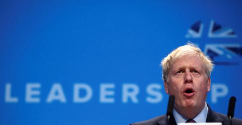 Johnson alerta UE contra tarifas 'napoleônicas' em caso de Brexit sem acordo