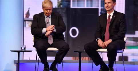 Johnson arrisca desencadear eleição nacional com Brexit 'tudo ou nada', diz rival Hunt