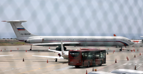 Rússia diz que avião levou especialistas militares para rotação na Venezuela, segundo Tass