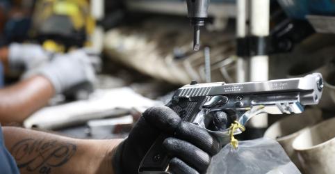Placeholder - loading - Imagem da notícia CCJ do Senado aprova posse de arma em toda área de propriedade rural