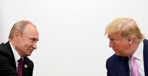 Placeholder - loading - Imagem da notícia Trump diz a Putin para não interferir nas eleições norte-americanas