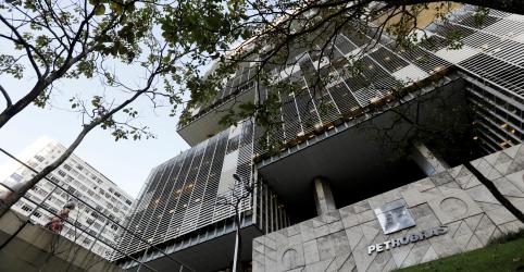 Placeholder - loading - Imagem da notícia Petrobras pode levantar até R$9,28 bi com privatização da BR neste mês