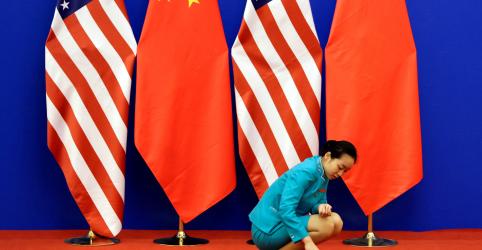 Placeholder - loading - Imagem da notícia Autoridades dos EUA dizem que negociações com a China serão retomadas na próxima semana