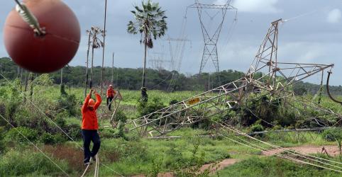 Placeholder - loading - Frentes contra privatização de elétricas têm deputados do PSL e até filho de Bolsonaro