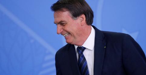 Placeholder - loading - Bolsonaro ignora Previdência em transmissão ao vivo e diz que trabalho não atrapalha crianças