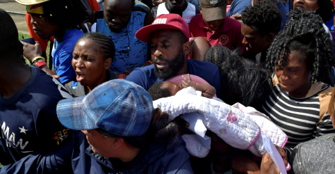Placeholder - loading - Imagem da notícia Imigrantes africanos atravessam América Latina em números recordes rumo aos EUA