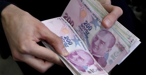 Lira turca é pressionada por demissão de presidente do BC