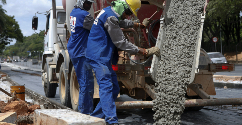Vendas de cimento crescem 1,5% no 1º semestre, puxadas pela construção civil