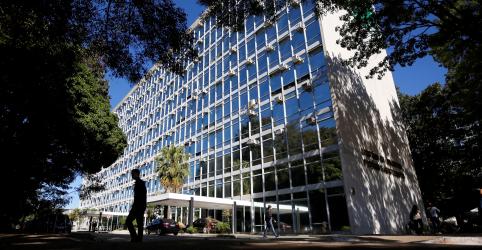 EXCLUSIVO-Assessor especial da ministra Tereza Cristina é alvo de investigação por suspeita de irregularidades em licitação