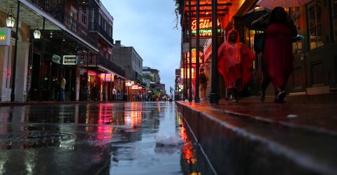 Placeholder - loading - Barry se move para interior de Nova Orleans, deixa chuva e inundações pelo caminho