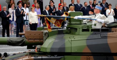 Placeholder - loading - Imagem da notícia Líderes europeus se juntam a Macron na parada militar do Dia da Bastilha