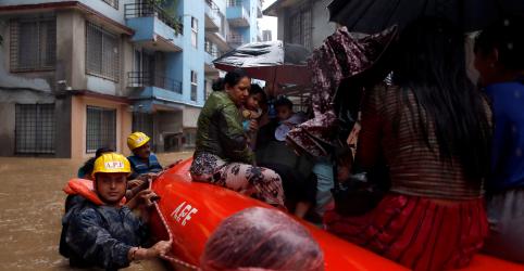 Vítimas de enchentes no Nepal chegam a 55, milhares estão desabrigados