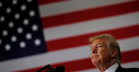 Placeholder - loading - Imagem da notícia Trump diz a congressistas democratas para 'voltar' e 'consertar' países de onde vieram