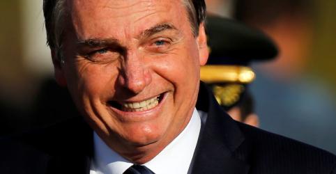 Bolsonaro defende filho em embaixada dos EUA: 'tem vivência internacional e frita hambúrguer'