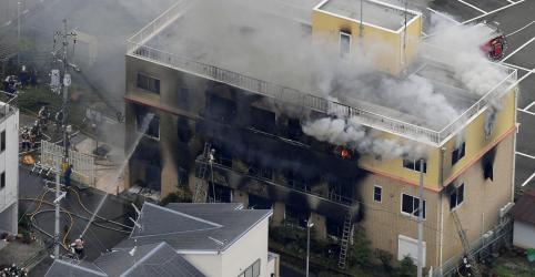 Placeholder - loading - Imagem da notícia Incêndio criminoso em estúdio de animação do Japão mata ao menos 33 pessoas