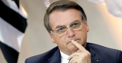 Placeholder - loading - Imagem da notícia Não seria irresponsável de indicar alguém sem competência para embaixada, diz Bolsonaro