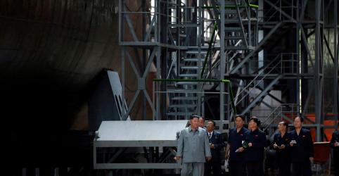 Placeholder - loading - Líder norte-coreano inspeciona novo submarino e pode retomar programa de mísseis
