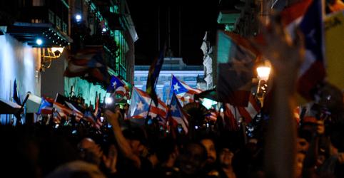 Placeholder - loading - Governador de Porto Rico renuncia após protestos em massa