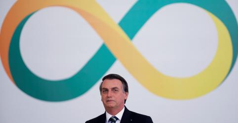 Placeholder - loading - Imagem da notícia Bolsonaro diz que Amazônia pode ser 'alma econômica' do Brasil