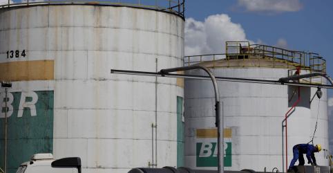 CORREÇÃO-Produção de óleo e gás da Petrobras recua no 2º tri e deve ficar estável em 2019