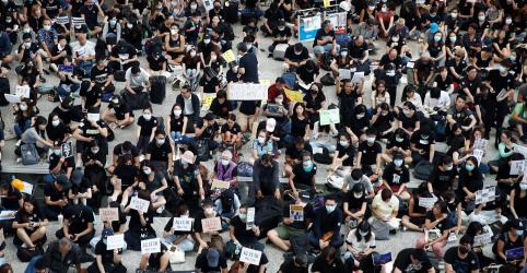 Placeholder - loading - Manifestantes ocupam aeroporto para pedir 'Hong Kong livre'