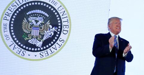 Placeholder - loading - Imagem da notícia Suprema Corte dos EUA autoriza Trump a usar recursos controversos para muro em fronteira