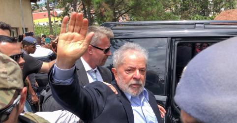 Placeholder - loading - Imagem da notícia Lula fica na PF em Curitiba ao menos até julgamento de recurso pelo STF, decide Corte