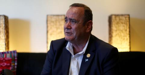Placeholder - loading - Imagem da notícia Presidente eleito da Guatemala quer mudar acordo imigratório de Trump