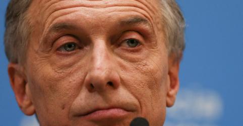 Argentina anuncia plano de ajuda econômica, mas peso se mantém em queda