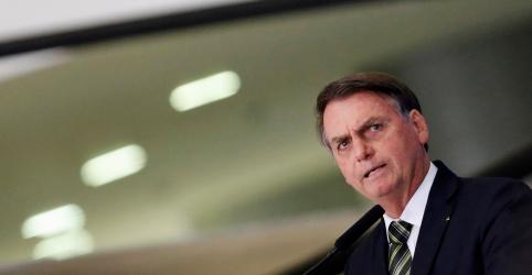 Bolsonaro diz que 'bandidos de esquerda' começam a voltar ao poder na Argentina