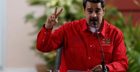 Placeholder - loading - Imagem da notícia Maduro acusa ex-presidente colombiano Uribe de planejar assassiná-lo