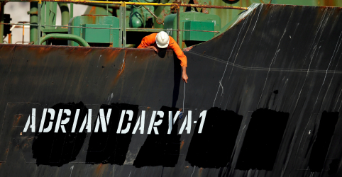 Navio-tanque iraniano ruma para a Grécia e Irã alerta EUA sobre tentativa de apreensão