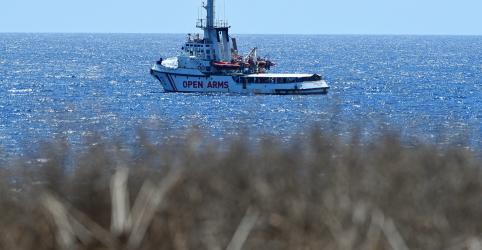Espanha oferece porto a imigrantes e critica posição da Itália