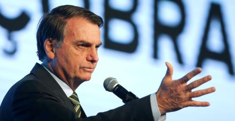 Placeholder - loading - Imagem da notícia Bolsonaro mantém indicação de Eduardo para embaixada e nega recuo