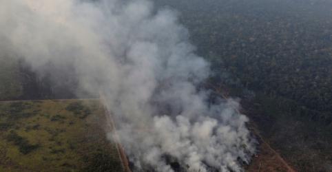 Placeholder - loading - Imagem da notícia Governo tenta ofensiva diplomática para reverter imagem de destruição da Amazônia