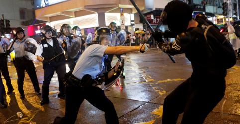 Placeholder - loading - Protestos em Hong Kong terminam em violência mais uma vez