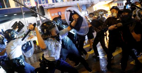 Governo de Hong Kong alerta para grande perigo após final de semana de violência