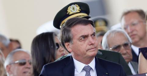 Placeholder - loading - Imagem da notícia Se Macron retirar 'insultos', podemos conversar sobre ajuda à Amazônia, diz Bolsonaro