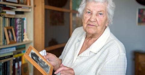 Placeholder - loading - Imagem da notícia Enfermeira polonesa de 97 anos lembra treinamento na iminência da 2ª Guerra Mundial