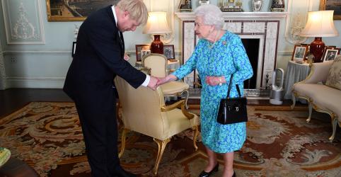 Placeholder - loading - Rainha Elizabeth aprova suspensão do Parlamento a pedido de Johnson