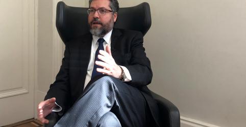 ENTREVISTA-Chanceler Ernesto Araújo diz que Brasil é herói e não vilão ambiental