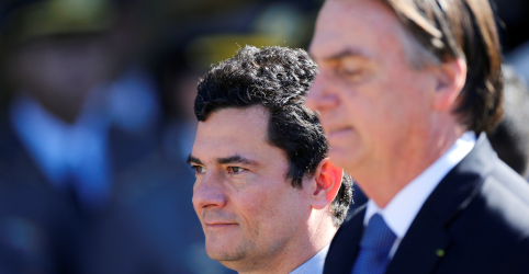 Bolsonaro anuncia que filho irá aos EUA se reunir com Trump e repete que Moro é patrimônio nacional